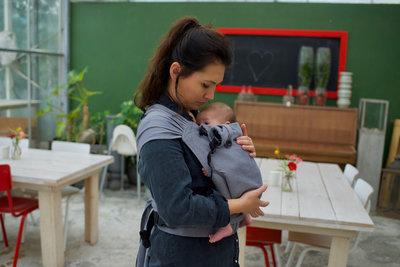 Babytrage Wrap & Go -  Kohlengrau